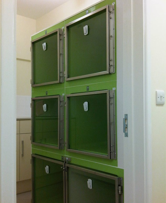 fibreglass veterinary recovery cages